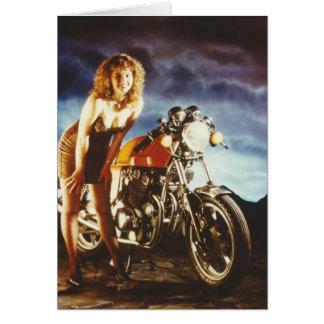 Pin de la motocicleta encima del chica tarjeta de felicitación