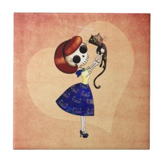 Pin del esqueleto encima del chica con su gato tejas  cerámicas