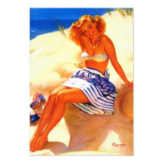 Pin del verano de la playa de Gil Elvgren del vint Comunicados Personales