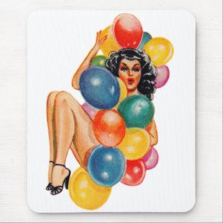 Pin del vintage 50s encima del kitsch modelo del alfombrilla de ratón