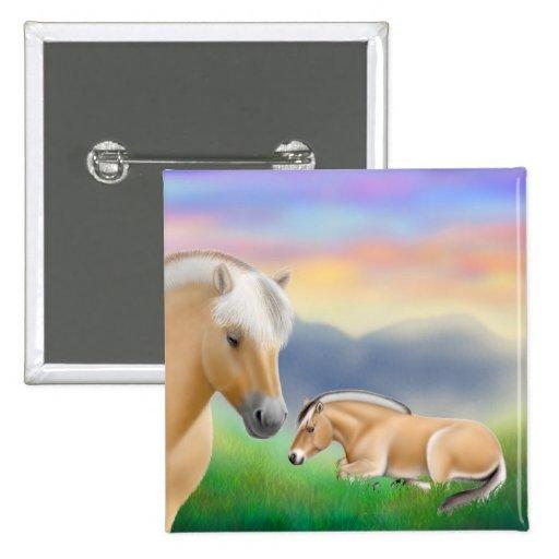 Pin noruego de los caballos del fiordo en descanso pin cuadrada 5 cm