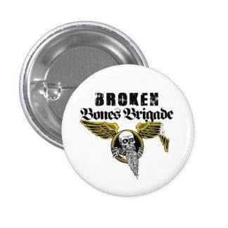 Pin quebrado de la brigada de los huesos