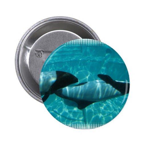 Pin redondo de las ballenas subacuáticas