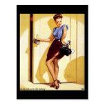 Pin retro de Gil Elvgren del vintage encima de tar Postal