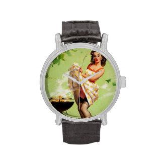 Pin retro de la barbacoa de Gil Elvgren del vintag Relojes De Pulsera
