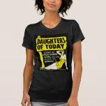 Pin retro del kitsch del vintage encima de hijas d camisetas