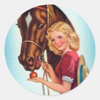 Pin retro del kitsch del vintage encima de la pegatina redonda