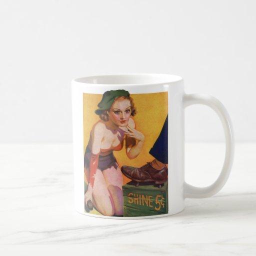 Pin retro del kitsch del vintage encima del brillo tazas