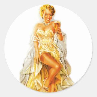 Pin retro del kitsch del vintage encima del chica pegatina redonda
