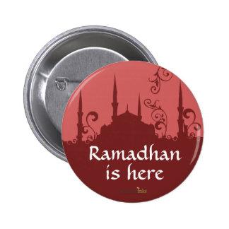 Pin rojo de la mezquita del remolino