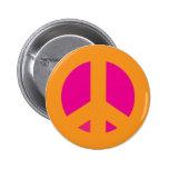 Pin rosado anaranjado de la paz