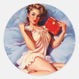 Pin secreto de Gil Elvgren del diario del vintage Etiquetas