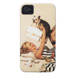 Pin travieso del amor adolescente del vintage enci Case-Mate iPhone 4 protectores