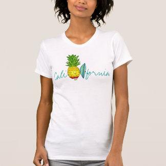 Piña de la persona que practica surf de California T-shirt