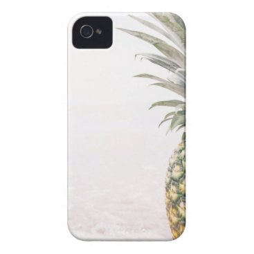 Beach Themed Pineapple Crown iPhone 4 Case