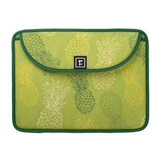 Pineapple Outline Pattern on Green MacBook Pro Sleeve