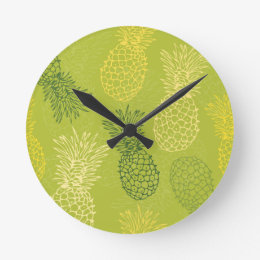 Pineapple Outline Pattern on Green Round Clock