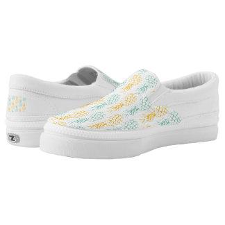 pineapples on white background Slip-On sneakers