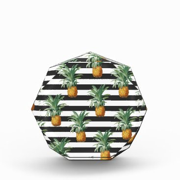 pineapples stripes grey award