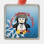 Pingüino 2011 del despliegue de la supervivencia ornamento de navidad