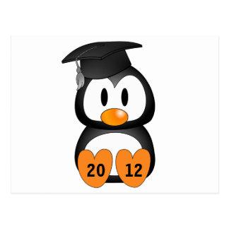 Pingüino adaptable de la graduación tarjetas postales