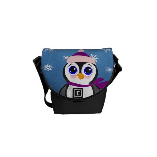 Pingüino adorable del dibujo animado con la bufand bolsa de mensajeria