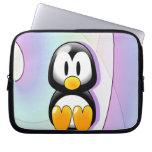 Pingüino adorable del dibujo animado mangas portátiles
