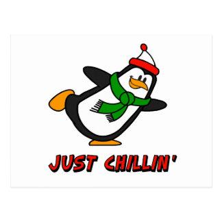 Pingüino apenas Chillin Tarjetas Postales