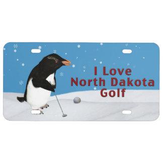 Pingüino chistoso que ama el golf de Dakota del No Placa De Matrícula