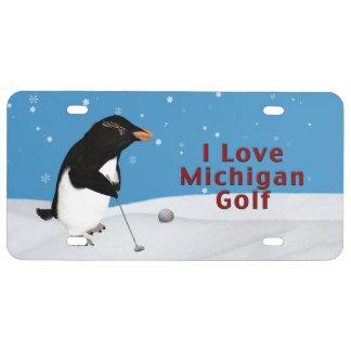 Pingüino chistoso que ama el golf de Michigan Placa De Matrícula