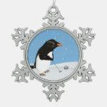 Pingüino chistoso que juega a golf