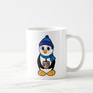 Pingüino con Dreidel en Jánuca Taza De Café