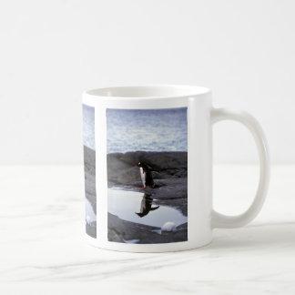 Pingüino de Gentoo - reflexión Taza