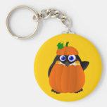 Pingüino de Halloween del traje de la calabaza Llaveros