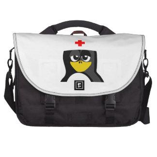 Pingüino de la enfermera bolsas de ordenador