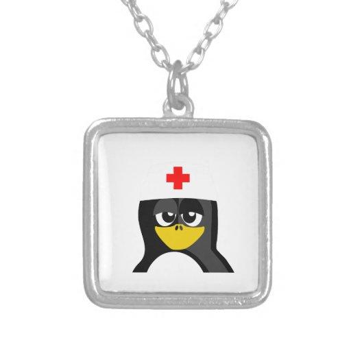 Pingüino de la enfermera colgante cuadrado