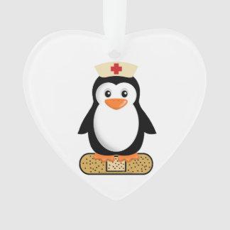 Pingüino de la enfermera (w/bandaid)