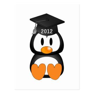 Pingüino de la graduación tarjetas postales
