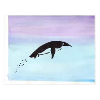 Pingüino de la natación tarjetas postales