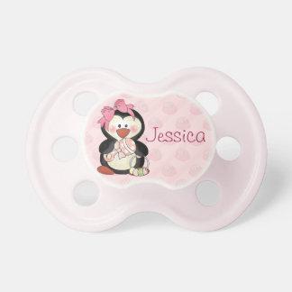 Pingüino de la niña a personalizar chupetes de bebé