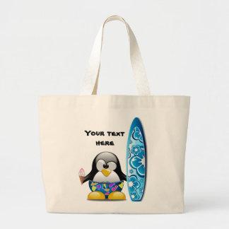 Pingüino de la persona que practica surf con bolsa tela grande