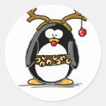 Pingüino de Rudolph Pegatina Redonda