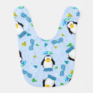 Pingüino de Wellies de la lluvia Baberos De Bebé
