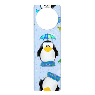 Pingüino de Wellies de la lluvia Colgador Para Puerta