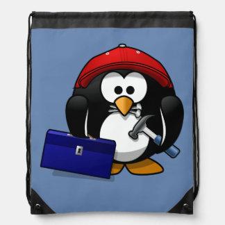 Pingüino del artesano del dibujo animado con el mochila