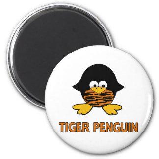 Pingüino del bebé del tigre imán redondo 5 cm