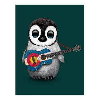 Pingüino del bebé que juega el trullo de la postales