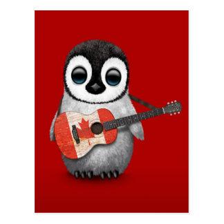 Pingüino del bebé que juega rojo canadiense de la tarjetas postales