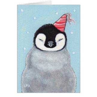Pingüino del bebé que lleva una tarjeta del arte d
