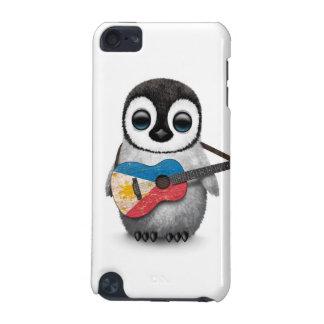 Pingüino del bebé que toca la guitarra filipina de